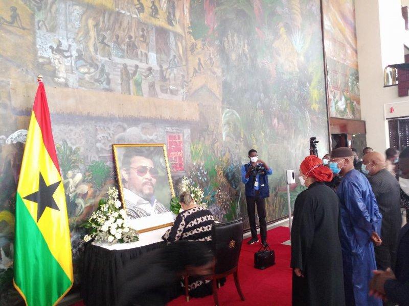 Rawlings: UN Team Signs Book Of Condolence